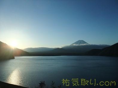 本栖湖日の出10